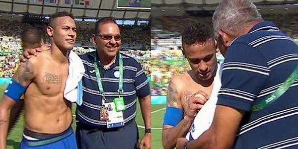Roy Posas entrenador de Porteros y Gerardo Mejía kinesiologo le pidieron fotos y la camisa a Neymar