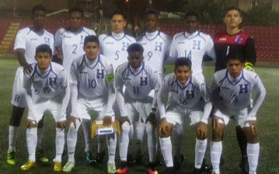 El once titular de Honduras que enfrentó a Costa Rica en las eliminatorias Sub 17 de la Uncaf el 26 de noviembre, 2016 (Foto twitter Jorge Jiménez)