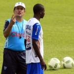 A Pinto no lo inquietan las lesiones de Lozano y Beckeles