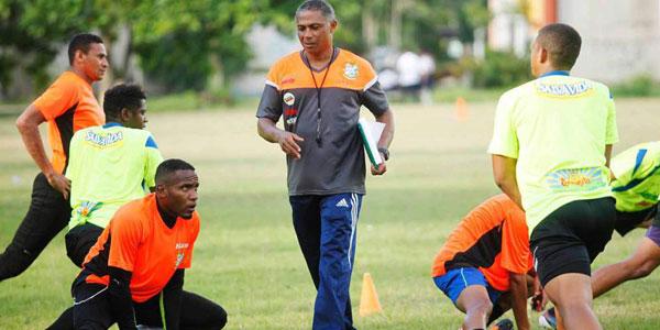 Reynaldo Clasquín ex jugador del Platense, está buscando llegar a su primera final como entrenador
