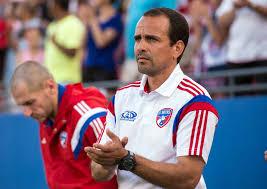Oscar Pareja, entrenador del FC Dallas donde milita el hondureño Maynor Figueroa, fue electo como el mejor en su rama en la temporada 2016 de la MLS.