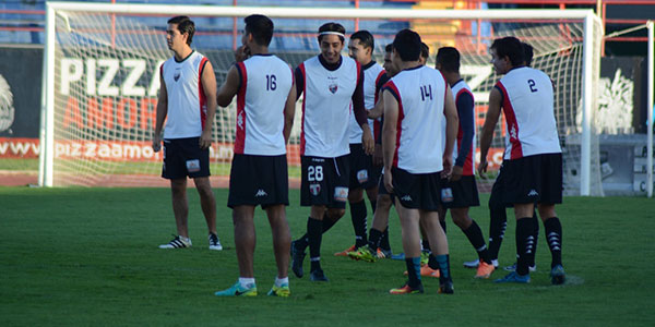 Atlante inició entrenamientos y la novedad fue el ex delantero del Real España Omar Domingo Zalazar (Foto Atlante)