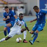 Doblete de Rubilio Castillo rescata a Honduras contra El Salvador
