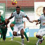 Marathón se afianza en el liderato goleando al Platense
