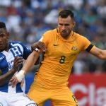Escober salvó a Honduras que no pudo en casa contra Australia