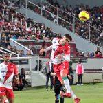 Beckeles titular en la derrota de Necaxa contra Chivas