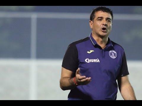 Diego-Vázquez-arremete-contra-el-árbitro-Armando-Castro