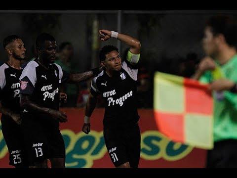 Golazos-de-Carlos-Sánchez-dan-triunfo-a-Honduras-Progreso-contra-Olimpia
