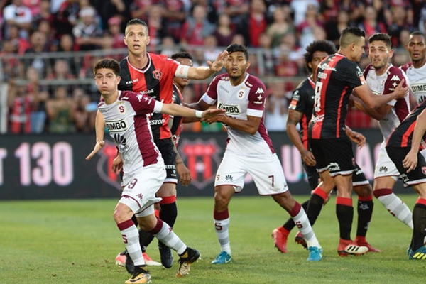 Resultado de imagen para Alajuelense vs Saprissa gol mcdonald