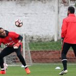 Regresa Claudio Bravo, Vidal ausente contra Honduras