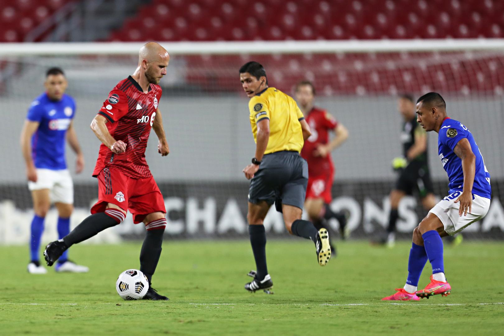 Arbitro_Ricardo Montero CRC