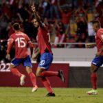 Costa Rica en zona de repechaje venciendo a El Salvador